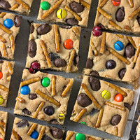 Game Day Cookie Bars, Pretzel Cookies, M&M Cookies, Chocolate Cookies, Football Cookies, Tailgate party ideas, Chocolate Covered Peanuts