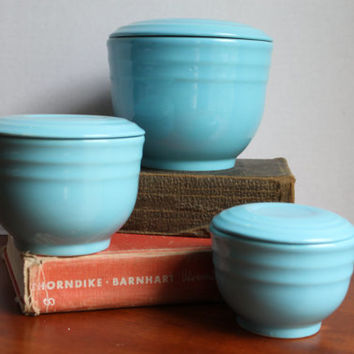 Vintage Graduating Mixing Beehive Bowls with Lids in Cerulean Blue in the Style of Bauer Pottery