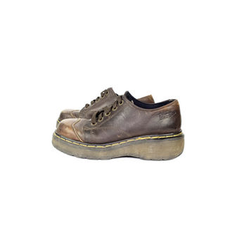 6   Dr Doc Martens 5 eye lace oxfords / brown leather chunky platform shoes / 8651 size 6