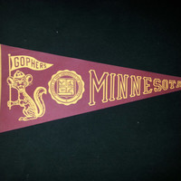 RARE Vintage 1950s-1960s Felt University of Minnesota Gophers Pennant - 12in x 30 in