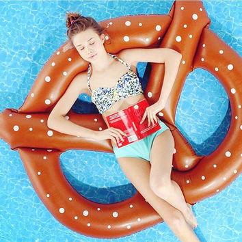 Pool Float Pretzel