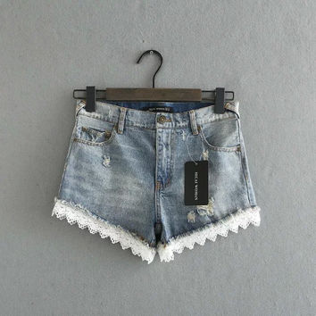 Summer Lace Patchwork Weathered Rinsed Denim Denim Shorts [6332322756]