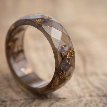 Brown Resin Ring Men Ring Dark Gold Flakes Big Size 10, 12 Faceted Ring OOAK copper earth brown boho minimalist jewelry