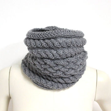 Light Gray Cowl, Wool Snood Scarf,Knit Neck Warmer,Gray Winter Scarf,Cable Knit Cowl,Chunky Knit Scarf,Wool Eternity Scarf,Knit Circle Scarf