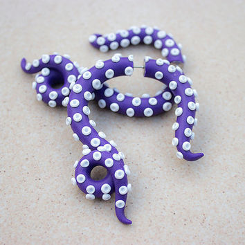 Purple octopus gauges Purple tentacle earrings Fake ear plug Fake gauges Purple fake gauges Purple white tentacle Ursula gauges