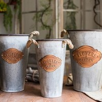 Rustic Antique 'Flowers and Garden' Metal Pot with Rope Handles (Set of 3)