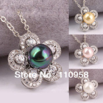 Solid 925 Sterling Silver Flower Pendant Necklace with White Seashell Pearl Charm for Women PRL P077