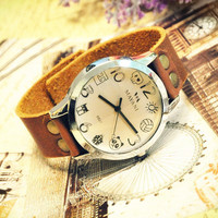 Vintage Leather Watch Retro Style Studded Wrist Watch Cartoon (WAT0016)