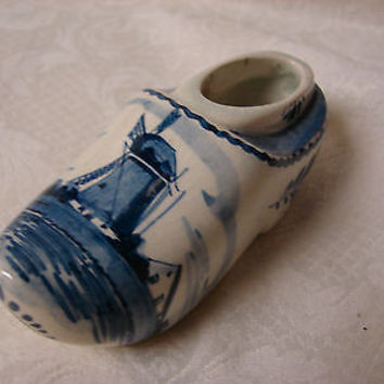 Delft Blue Porcelain Hand painted Holland Blue Windmill W/leaves  Clog / Shoe
