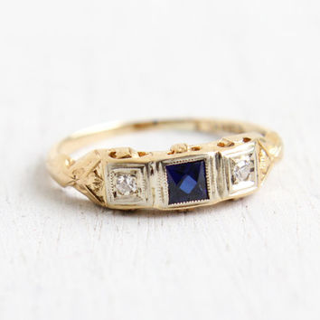 Antique 14K Yellow & White Gold Diamond and Sapphire Ring - Vintage Art Deco 1930s Size 5 3/4 Filigree Engagement Fine Jewelry