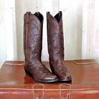 Womens cowboy boots 7.5 M / Dan Post Cowgirl boots /  brown genuine leather  / western boots