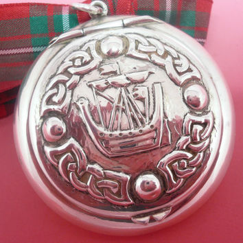 Rare Alexander Ritchie IONA Sterling Silver Compact, Viking Longship. Scottish, English Hallmarked, Powder, Chester 1914