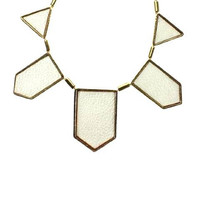 Gentry — Kifi Bib White - Fashion Jewelry