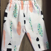 Baby girls leggings with print feathers
