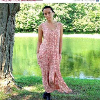 20% OFF SALE 90's Dusty Pink Floral Shift Dress. Daisies. Button Down Maxi Dress. Pleated. Pockets. Boho. Medium M