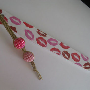 Macrame beaded bookmark and nail file - gift for teacher - teacher's gift - stocking stuffer - book mark - nail file, unique gift idea, lips
