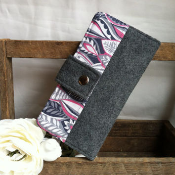 Soft Grey Felt and Fabric print folded womens wallet with card slots, bill slots, coin pouch