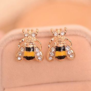 LNRRABC Fashion Cute Women Lady Girl New Hot 2016 Lovely Popular Small Bee Crystal Insect Stud Earrings Gift