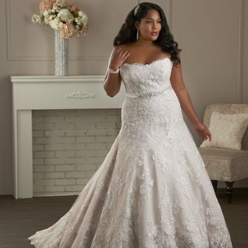 Bonny Unforgettable 1410 Plus Size Wedding Dress