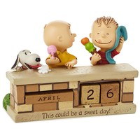 Hallmark Peanuts Sweet Day Snoopy and Charlie Brown Resin Perpetual Calendar New