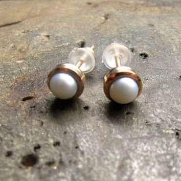 14k gold pearl stud earrings, freshwater pearl studs in gold, white pearls earrings, 14k solid gold,handmade jewelry by Arpelc