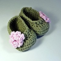 Sweet Leaf Green Baby Booties With Pastel Pink Rose | Luulla