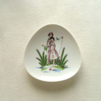 Vintage Rosenthal Raymond Peynet trinket dish, fishing for a heart, porcelain pin dish with romantic scene.