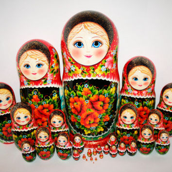 Nesting Dolls 30pcs 19 inches. Handmade. Very big and beautiful Russian matryoshka dolls