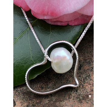 Heart with freshwater pearl