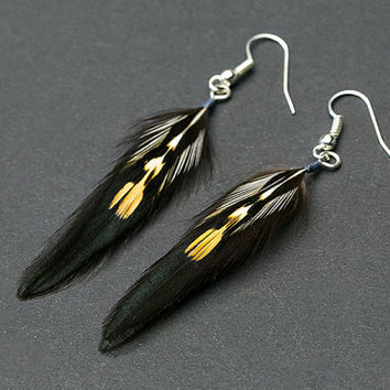 Halloween Feather Earring: iridescent black feathers, feathers earring, goth earrings, punk earrings, gothic earrings, rock earring jewelry