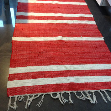 Woven Rug/Large Rag Rug/Boho Chic Hippie Mat/Rugs/Handmade woven Rug/Colorful Scraps/Hand Woven Chindi/Cotton Primitive Rag Rug/white/red