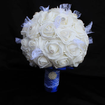 A Lace and Rose Wedding Bouquet Collection