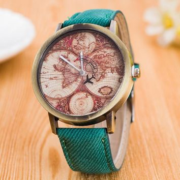 2017 New Fashion Watch Women World Map Fly Plane PU Leather Strap Analog Quartz Wrist Watch Female Clocks Montre Femme