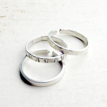 3 Toe Rings Set Sterling Silver US Size 3 Adjustable - V Imprint, Tree Hammered, Smooth Texture - Oh My Metals