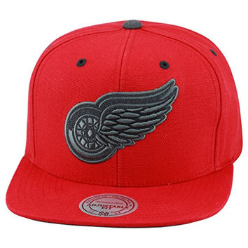 Mitchell & Ness Detroit Red Wings Snapback Hat All Red Canvas/Grey Wool