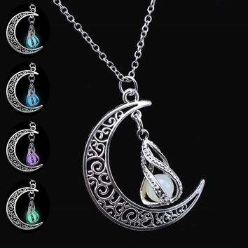 2017 New Arrival Silver Plated Chain Jewelry Moon Luminous Necklaces & Pendants Glowing in Dark Fashion Women Necklace Choker