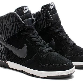 f32f4f844dca Tagre™ Nike Dunk Sky Hi Essential Inside Heighten woman Leisure High Help  Board Shoes