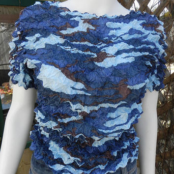 90s Bubble Shirt, Popcorn Crop Top, Zigzag Puffy Blue Crinkle Shrink Cropped Top