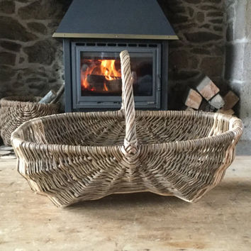 French vintage market shopping / fruit / storage / vegetable two toned wicker basket