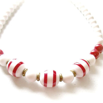 1960's Retro Necklace - Acrylic Red and White Chunky Necklace - Mad Men - BootsiesWorld