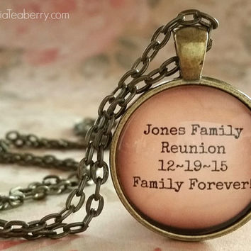 Personalized glass dome necklace, Family Reunion, your text, customized, gift ideas, Dinner Party, Christmas, Thanksgiving, key ring, gifts