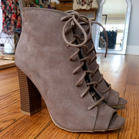 Boho Laceup in Taupe