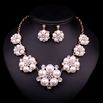 Popular Floral Design Pearl Bridal Necklace Earring Set
