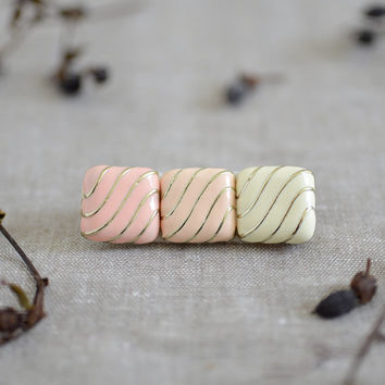 Candy Bar - simple girlish hair clip
