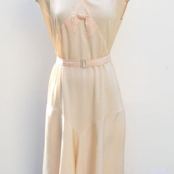 Vintage 1930s Romantic Palest Peachy Pink by landmvintage on Etsy