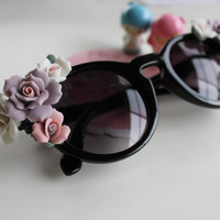 Kawaii Kitsch x Little Black Book Ceramic Floral Keyhole Sunglasses- Choose your flower colors