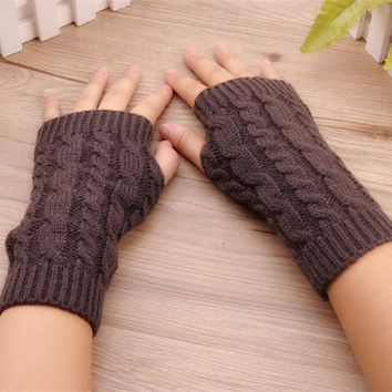 Solid Arm Sleeve For Woman Twist The Short Arm Cuff Wool Knitted Gloves Winter