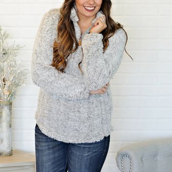 *  Ariah Fuzzy Simply Southern Sherpa Pullover : Silvery Grey
