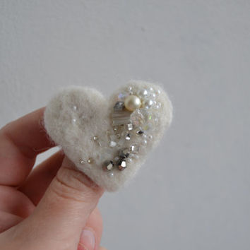 FREE SHIPPING - Wool Felt Pin White Heart Mixed Beads - Whimsical Winter Accessory Brooch - Little Gift Idea Under 15 USD