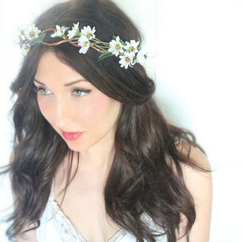 Daisy Flower Crown, Wedding Headpiece, Bridal Tiara, Hair Flower - Daisey - by DeLoop